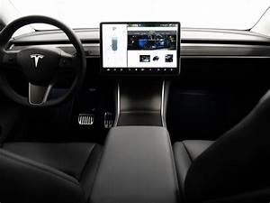 Tesla-Model-Y-interior-dash-carbon-fiber - TESLARATI