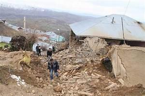 Häuser In Der Türkei : tote und verletzte in ostanatolien erdbeben in der t rkei n ~ Markanthonyermac.com Haus und Dekorationen