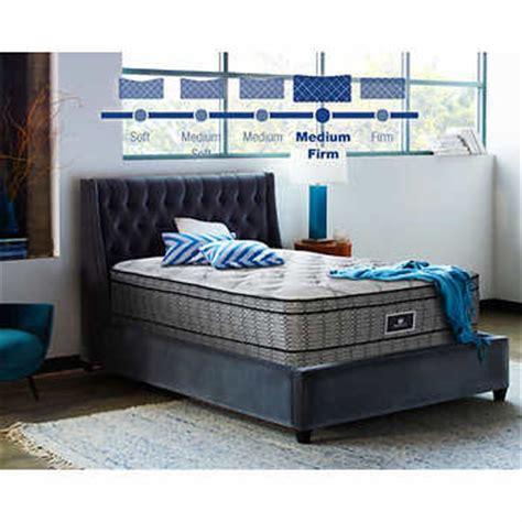 sealy 174 posturepedic 174 sydney mattress set
