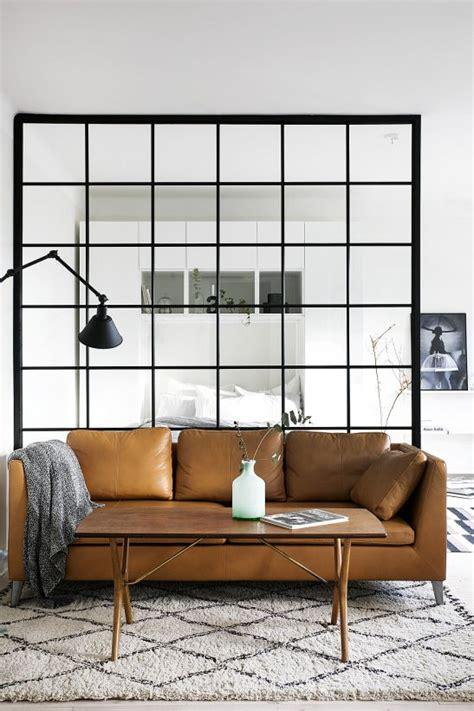 Canapé Loft But - wydzielenie stref w mieszkaniu dekoracyjne przegrody