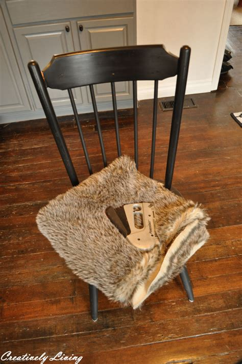 15 minute faux fur chair cover no sew creatievly