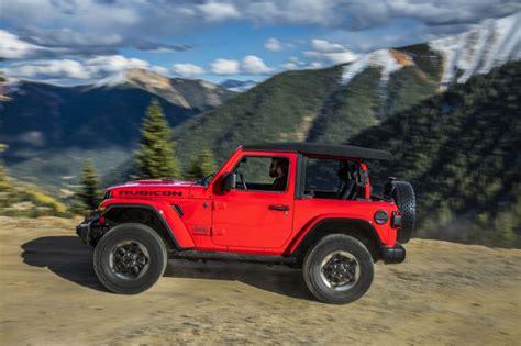 2020 jeep gladiator yellow 2019 jeep wrangler vs 2020 jeep gladiator compare trucks