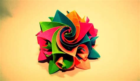 beautiful examples  origami artworks