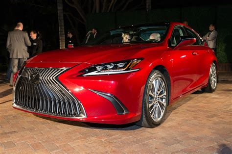 lexus es    person impressions