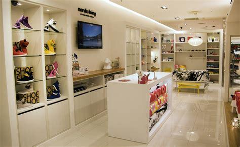 Scandinavian Design Shop by 北歐櫥窗 台中大遠百專櫃設計 2012 北歐設計顧問有限公司