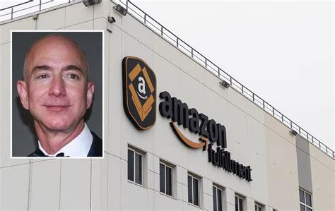 Amazon. Bezos se retira del día a día tras superar los 10...