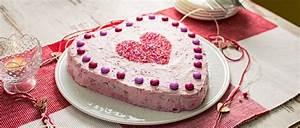 Valentinstag Kuchen In Herzform : herztorte mit himbeeren f r valentinstag und muttertag mit biskuitboden ~ Eleganceandgraceweddings.com Haus und Dekorationen