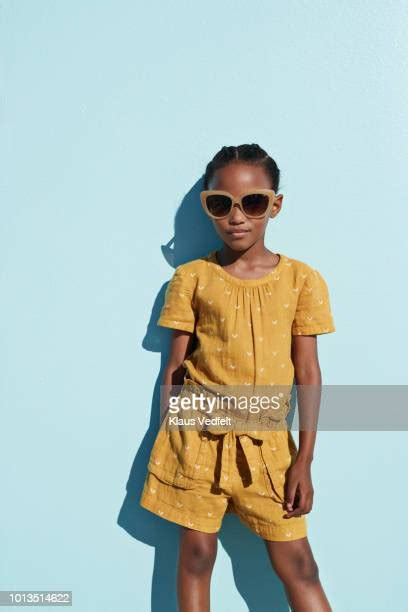 girls  wearing  clothes   premium high