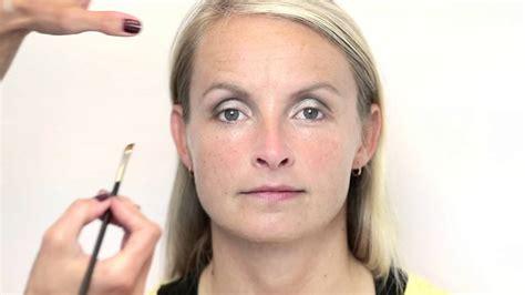 Make up hangende oogleden