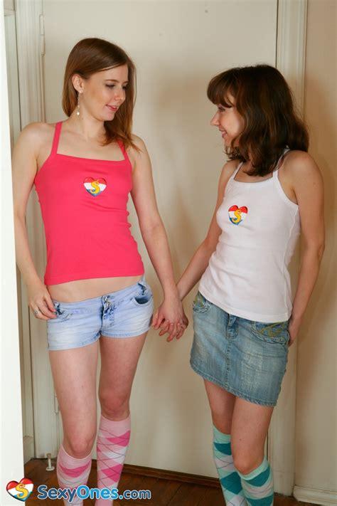 Pinkfineart Miki Leona Skinnylesbians From Sexy Ones