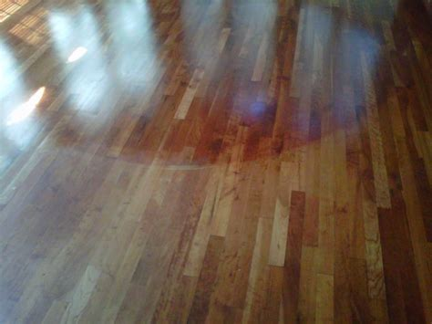 white vinegar on hardwood floors i found an all natural way to clean and shine my hardwood floors use equal parts white vinegar