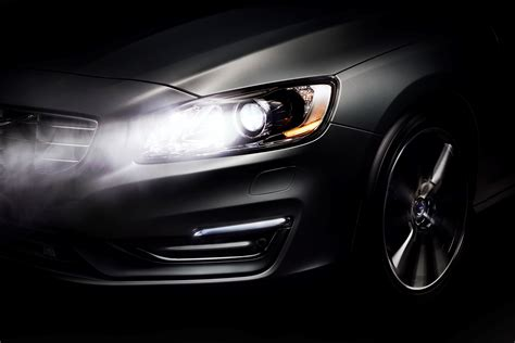 volvo cars  driving  night safer