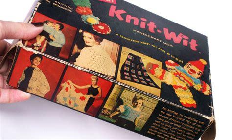 vintage knit wit handicraft unit tool kit  rosette