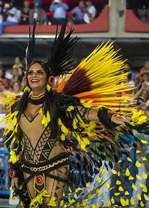 Luiza Brunet Photos Photos - 2017 Rio Carnival - Day 1 ...
