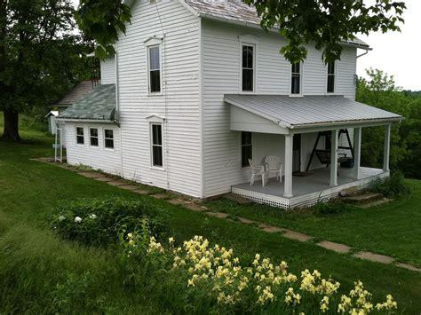 1800s farmhouse 1800 s farmhouse in coshocton 230 acre farm vrbo