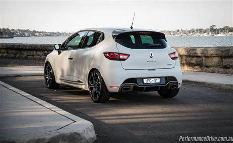 Review Renault Clio R S by Renault Clio R S 220 Trophy Review Performancedrive