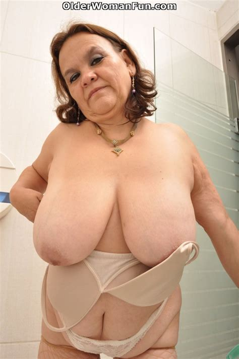 Year Old Gilf Gloria Loves Cleaning The Bathroom Naked