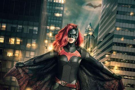 cw reveals    ruby rose  batwoman polygon