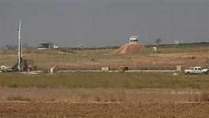 Israeli criminals start constructing wall that will ...