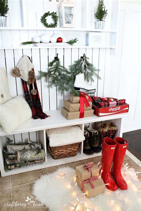 cozy  cheerful homes decorated   snowy christmas