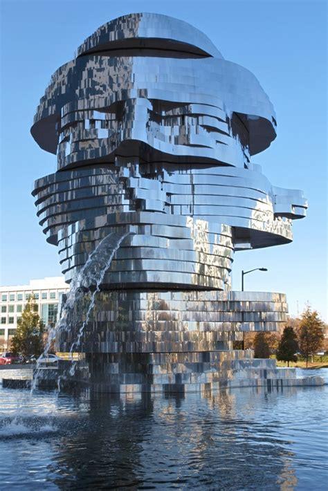 metalmorphosis mirror fountain  david cerny colossal