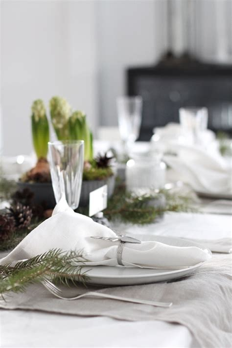 table cloth setting 5 christmas table setting ideas in different styles