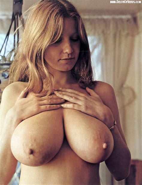 Vintage Pinups Roberta Pedon Nude Busty Roberta Pedon