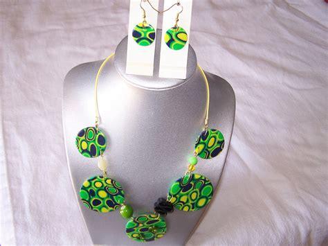 pate fimo pas cher bijou fantaisie pas cher parure en p 226 te fimo bleu vert et jaune parure par bijou fantaisie
