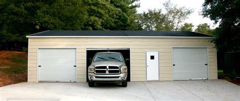 » 3 Car Garages