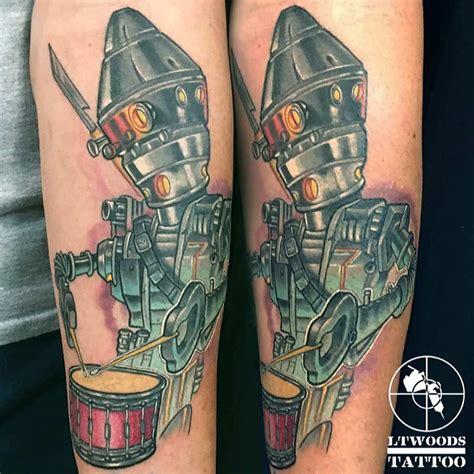 Lt Woods  New School Tattoo Artist St Louis, Mo
