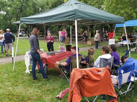 Congresswoman Axne Visits Desoto Fun Days And Springbrook