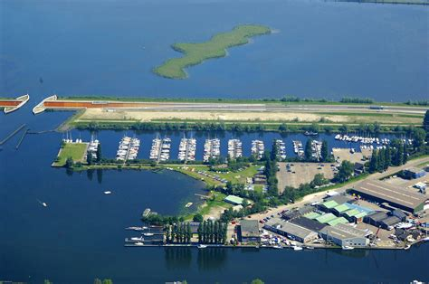 Yacht Harbour by Yacht Harbor De Knar In Netherlands Marina Reviews
