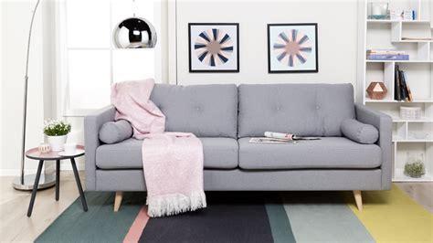 Cuscini Divano Stile Nordico :  Comfort E Stile In Salotto