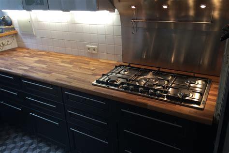 rénovation de cuisine avec plan de travail en chêne par gérard