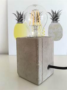 Lampen Für Pflanzen : lampe mit sockel aus beton lampen sockel und pflanzen ~ A.2002-acura-tl-radio.info Haus und Dekorationen