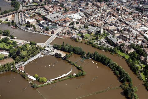 aerial photographs    great floods   river