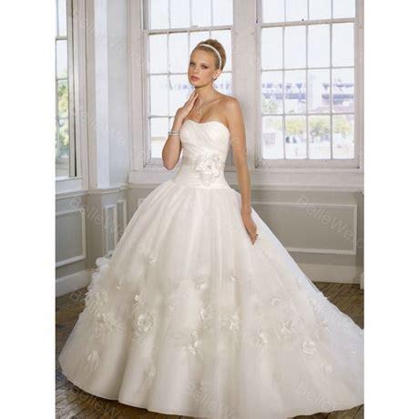 robe de mariée et blanche dentelle robe dentelle blanche mariage