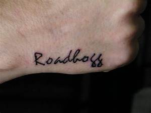 Hand Name Tattoo Ideas