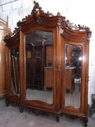 Bedroom Sets With Armoires by 25 Best Ideas About Antique Bedroom Sets On