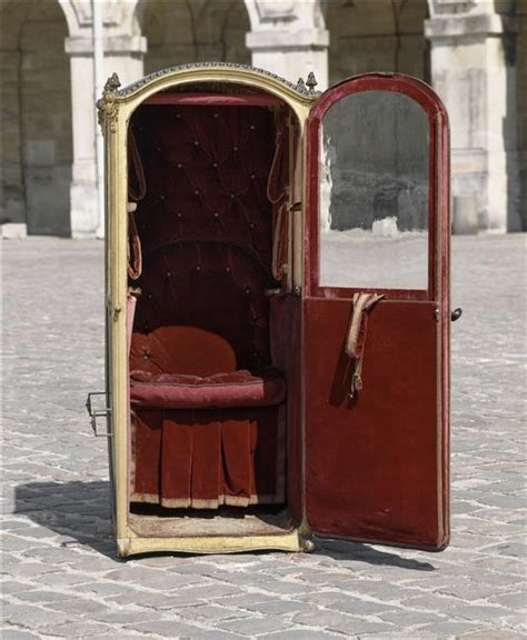chaise a porteur this is versailles sedan chairs at versailles