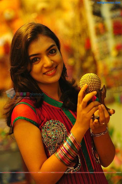 Hindi Actress Hot Photos Pics Images Wallpapers Hindi