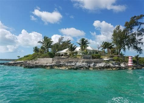 middle cay harbour island bahamas rent  private island