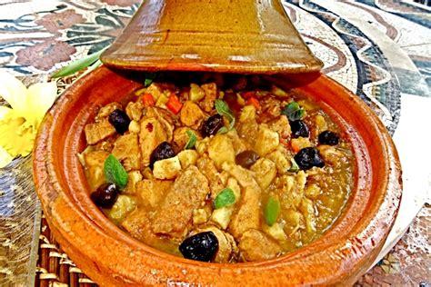cours de cuisine à offrir recette de tajine de poulet fermier farci aux herbes et gingembre frais facile