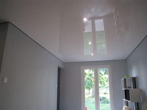 cuisine blanc et noir décoration rénovation plafond tendu laqué by steeve mieulet