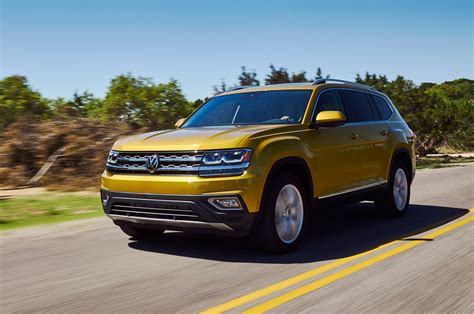 2018 Volkswagen Atlas First Look Cuv Debuts With 'massive