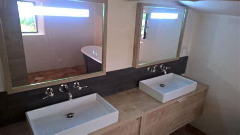 r 233 alisation d une salle de bains avec baignoire ilot en fonte 233 maill 233 224 roussillon dans le