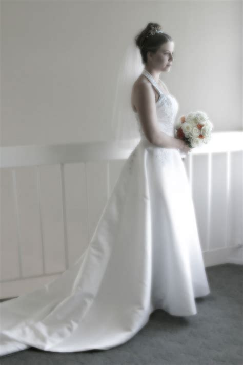 wedding dress wiktionary