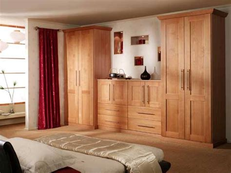 Wooden Wardrobe For Bedroom by Wardrobe Design For White Bedroom 2019 Ideas