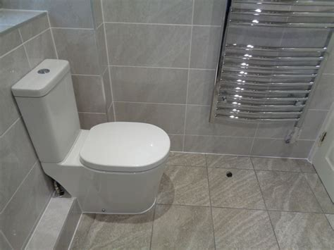 coventry bathrooms 187 easy clean modern toilet with soft seat