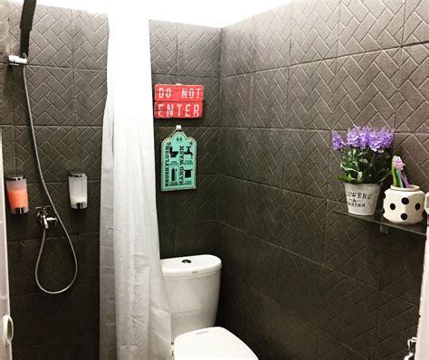 model motif keramik kamar mandi minimalis terbaru